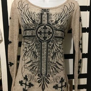 Long sleeve with cross
